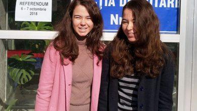 Photo of Fiicele senatorului Forian Bodog au votat pentru prima dată la referendumul pentru căsătorie