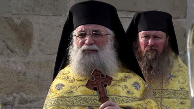 Photo of Pr. Arhim. Melchisedec Velnic, starețul Mănăstirii Putna, despre referendum: Să nu lipsească nimeni de la votul dat Adevărului