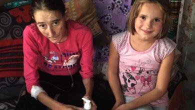 Photo of O fetiță de opt ani are grijă de părinții ei pe moarte. Donează sau cumpără un obiect creat în scop caritabil!