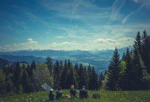 Photo of Studiu: Plimbările în natură și locuitul aproape de parcuri sau păduri îmbunătățesc sănătatea
