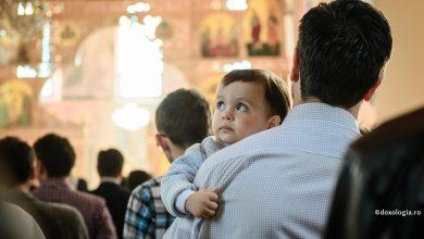 """Photo of Părintele Constantin Sturzu: """"Crăciunul este despre şansa renaşterii, a unei întoarceri la modul de fiinţare simplu, curat, fără de griji al copiilor"""""""