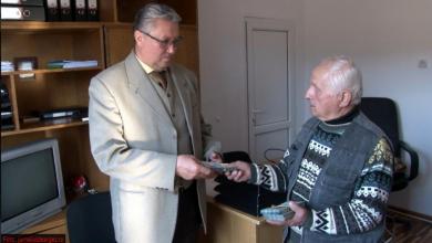 Photo of Un pensionar din Argeș a donat 10 mii de euro pentru copiii născuți prematur