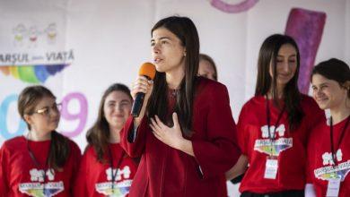 """Photo of VIDEO. Eliza-Maria Cloțea, la Marșul pentru viață 2019 de la București: """"Viața câștigă astăzi în 600 de localități din România și Republica Moldova!"""""""
