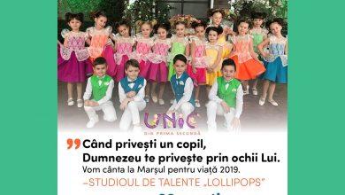 """Photo of Marșul pentru viață 2019 Chișinău, Studioul de talente """"Lollipops""""cântă și susține: """"Când privești un copil, Dumnezeu te privește prin ochii lui"""""""