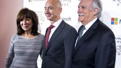 Photo of Ce viitor are copilul unei adolescente însărcinate? S-ar putea să ajungă fondator și CEO la Amazon!