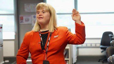 Photo of Un vis împlinit: O tânără cu sindrom Down a fost însoțitoare de bord pentru o zi