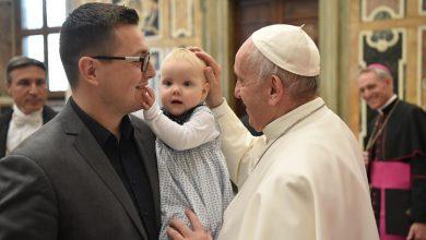 """Photo of Papa Francisc: """"Avortul nu e o problemă religioasă, ci una umană. Angajăm un asasin ca să rezolvăm o problemă?"""""""