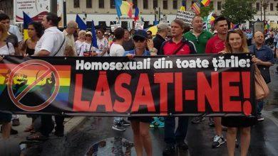 """Photo of FOTO (București). Peste 2.000 de persoane la Marșul Normalității: """"Nu înșelați electoratul cu parteneriatul!"""""""