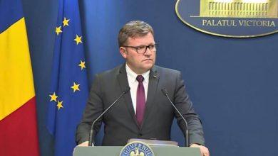 Photo of Marius Budăi, Ministrul Muncii, nu pare să se îndoiască de corectitudinea aplicării legii în cazul Sorinei. Asistenta maternală îl contrazice în direct la televiziune