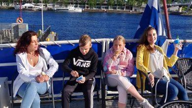 Photo of În timp ce și România a intrat în logica răpirii de copii, Finlanda continuă să îi despartă pe Camelia Smicală și copiii ei