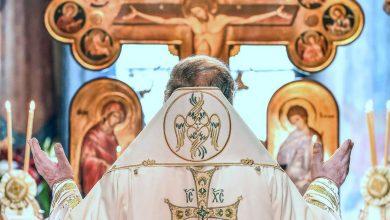 Photo of Patriarhul României se roagă pentru copii și tineri