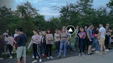 Photo of VIDEO. Sute de persoane au protestat la Baia de Aramă pentru Sorina până după miezul nopții