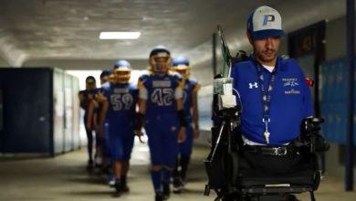 Photo of Rob Mendez, antrenorul de fotbal fără brațe și fără picioare, o inspirație pentru echipa sa