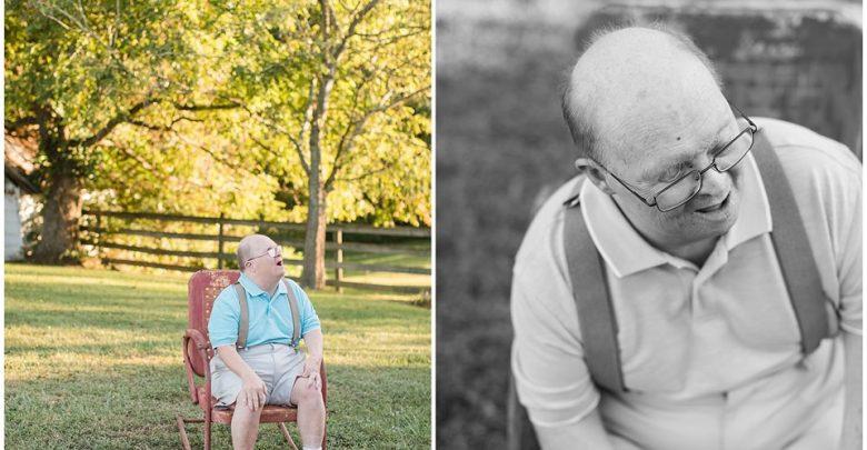 Photo of Născut cu sindrom Down, medicii au spus că nu va ajunge la vârsta de 1 an. Familia și prietenii l-au sărbătorit recent cu ocazia celor 65 de ani împliniți. Secretul? Iubire, nimic altceva decât iubire.