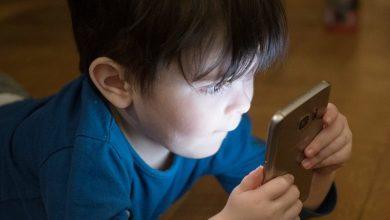 Photo of Copiii lăsaţi cu orele în faţa tabletelor sau telefoanelor mobile riscă să devină antisociali