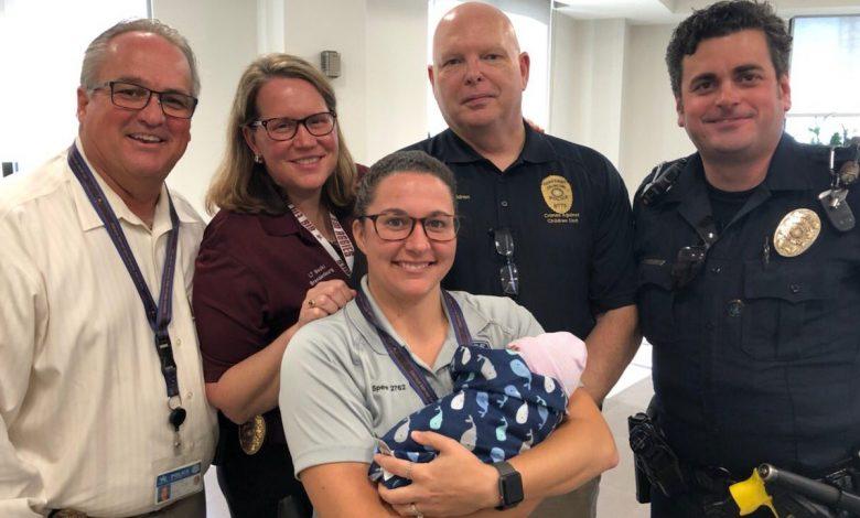 Photo of Poliția din Texas a organizat un Baby Shower pentru un nou-născut abandonat lângă pubela de gunoi