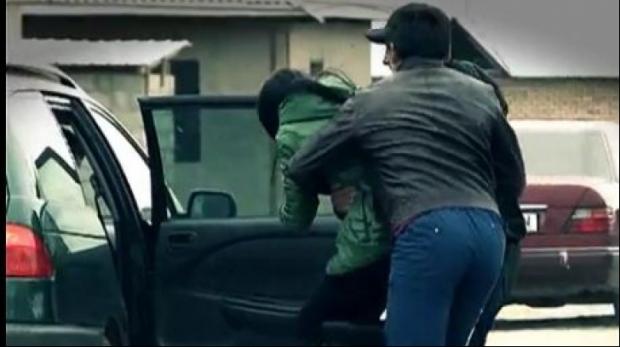 Photo of În România au apărut cursuri la care copiii sunt învățați cum să se salveze singuri dacă sunt răpiți de pe stradă. Doi foști militari îi antrenează într-o tabără organizată în vârf de munte