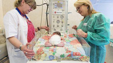 """Photo of Povestea lui Sebi, copilul de 700 de grame și născut la 26 de săptămâni. A stat un an în spital. """"Nu trebuie să renunți, nici atunci când ai obosit să lupți"""""""