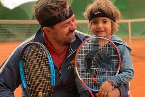 "Photo of Cum a adoptat Horia Brenciu al patrulea copil. ""Am zis: Nu, nu-l avorta. Îl vrem noi!"""