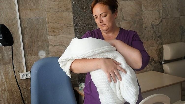 """Photo of """"Fereastra veții"""": În Bucovina de Nord funcționează o """"cutie pentru bebeluși"""" abandonați"""