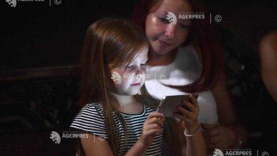 Photo of 27% din copiii români petrec zilnic minimum șase ore online, iar 61% s-au simțit inconfortabil după ce au accesat conținut inadecvat