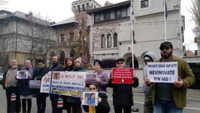 Photo of FOTO, VIDEO. Protest pentru copiii Smicală la Ambasada Finlandei de la București