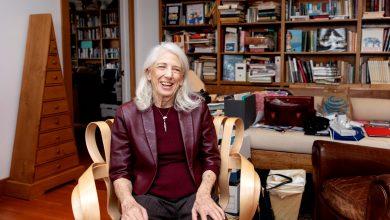 Photo of Aexandra Nadane: O lecție pe timp de pandemie Covid-19 – Nancy Wexler, 40 de ani în sprijinul oamenilor cu boala Huntington. Recent a anunțat că a moștenit boala de la părinții ei