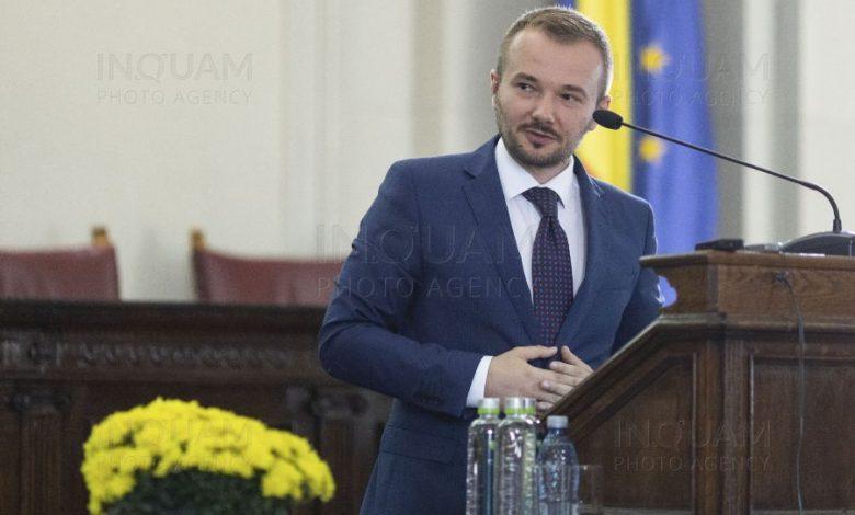 """Photo of Dep. Daniel Gheorghe: Închidem biserici dar nu și baruri, cluburi, malluri. """"Românii merită liturghii, nu idei tâmpite care ne coboară în cel mai negru totalitarism!"""""""