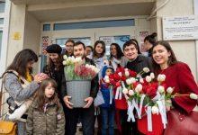 Photo of Luna pentru viață la București:  Flori pentru mamele de la Maternitatea Filantropia
