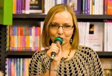 """Photo of """"Profesoara de povești"""" Ioana Revnic și-a mutat online poveștile pentru suflet"""
