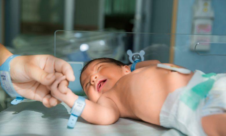 Photo of Un copil care a supraviețuit avortului a plâns aproape o oră, timp în care a fost lăsat singur să moară